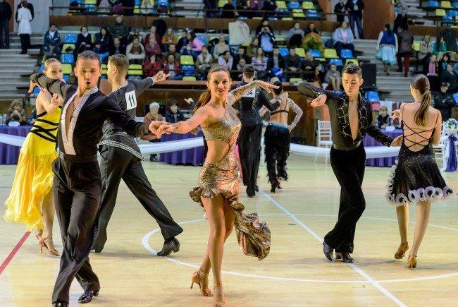 Doi dansatori de la Balroom sunt campioni naţionali