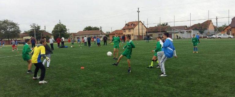 Patru formații continuă în Gimnaziada fotbalului