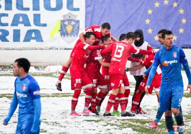 S-a întors Bătrâna Doamnă! UTA – Chindia Târgovişte 2-1