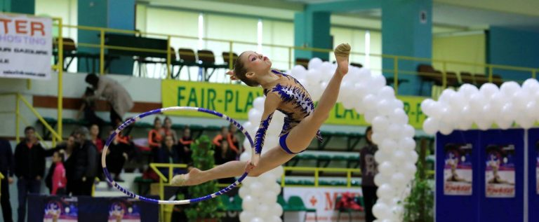 Gimnastele de la ritmică iau startul la Budapesta