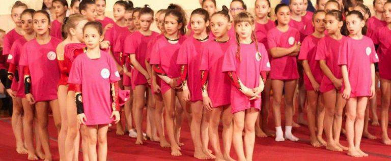 "Micile gimnaste iau startul la Cupa ""Emilia Eberle"""