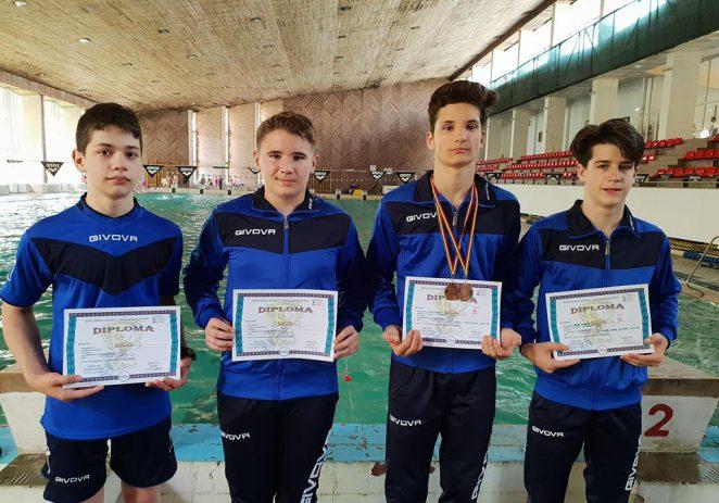 Înotătorii arădeni au urcat pe podiumul naţional şcolar