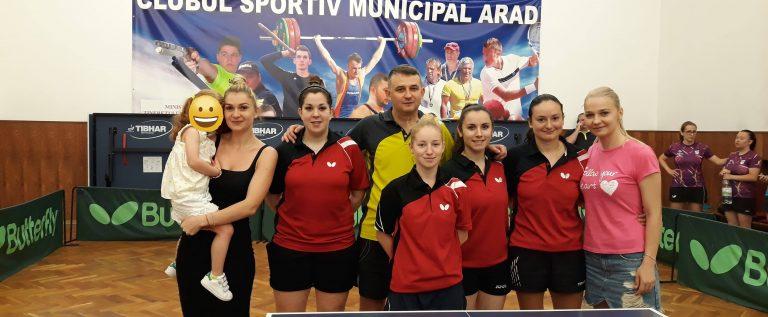 """Arădencele s-au """"bronzat"""" în Superliga de tenis de masă"""