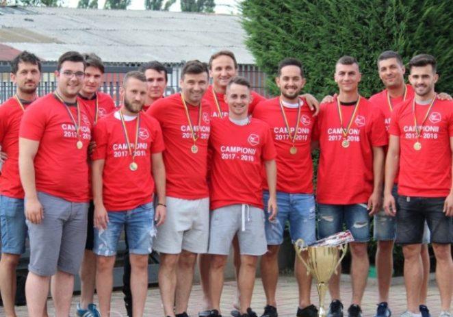 Premiere şi Luciano s-au calificat în finala de minifotbal