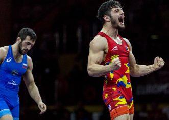 Luptătorul Mihai Mihuţ este maestru al sportului