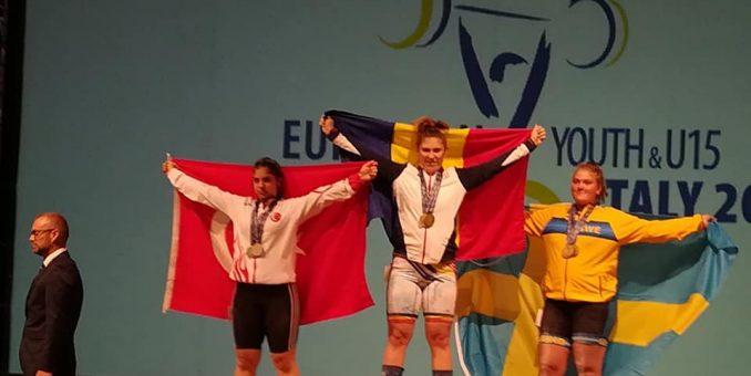 O halterofilă a CSM-ului e triplă campioană europeană!