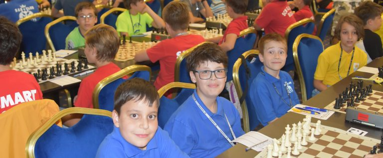 Vados Arad e triplă campioană naţională la şah