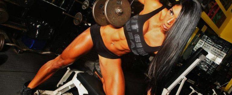 Regal de culturism şi fitness, în Polivalenta arădeană
