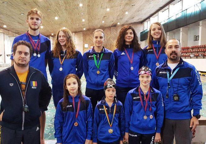 Înotătorii au urcat pe podium, la Cupa Aradului