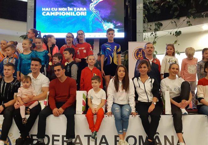 Marii campioni ai gimnasticii, primiţi cu căldură la Arad