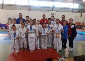 Micii judoka de la Victoria Felnac promit medalii naţionale