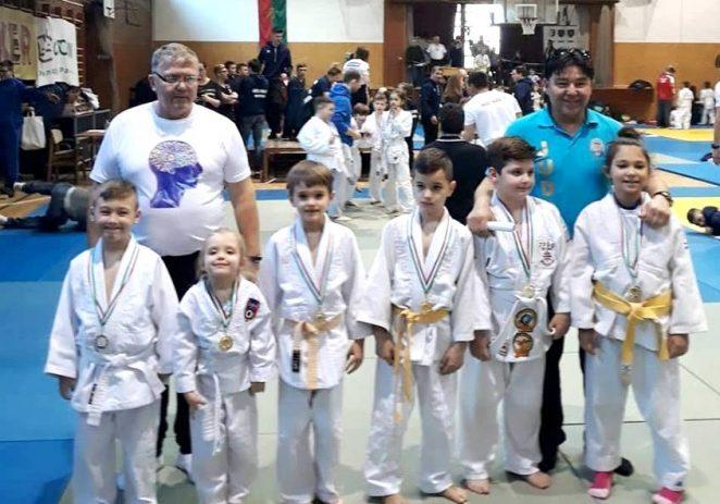 Micii judoka s-au remarcat pe tatami, în Ungaria