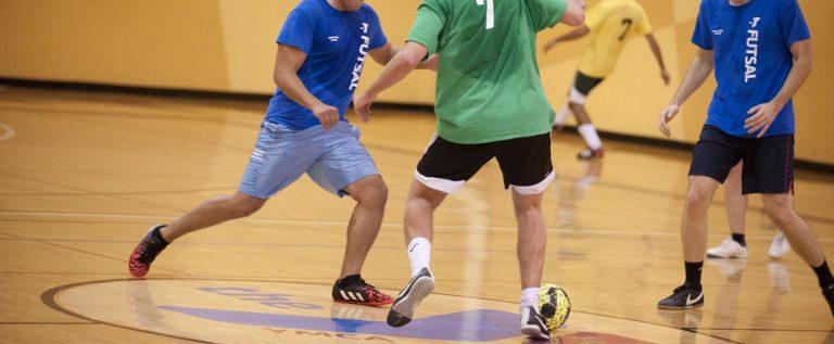 Duminică se decide ultima finalistă judeţeană la futsal