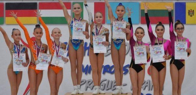 Salbă de medalii arădene la Openul Cehiei la aerobic