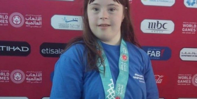 O arădeancă face performanţă la Special Olympics