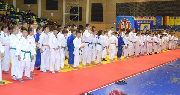 """Micii judoka s-au întrecut pe tatami, la """"Cupa Primăverii"""""""