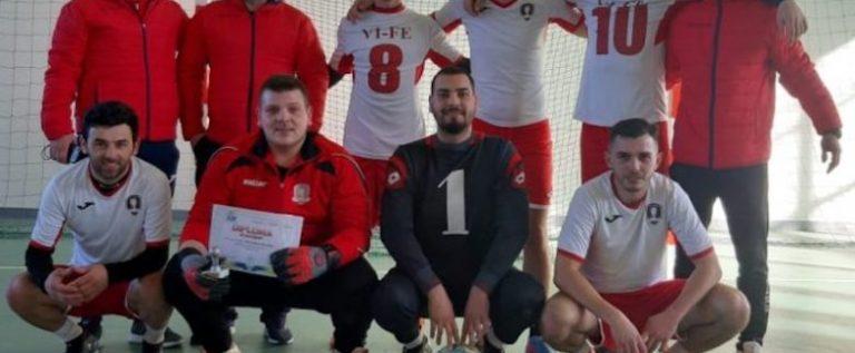 Echipele din Felnac şi Hălmagiu, finaliste judeţene la futsal