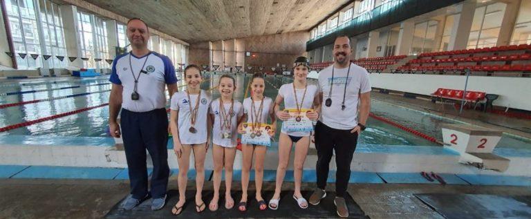 Medalii internaţionale pentru înotătorii de la CSS Gloria Arad