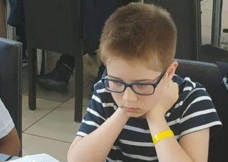 Arădeanul Filip Magold reprezintă România la şah online