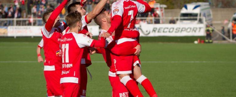 Cluburile de fotbal îşi asumă răspunderea legală, la ieşirea din cantonament
