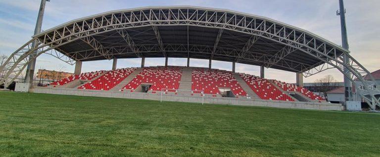 Primăria a recepţionat, în sfârşit, gazonul noului stadion UTA
