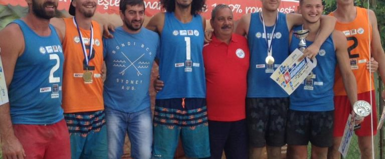 Aradul va găzdui, în premieră, Campionatul Naţional de seniori la volei pe plajă!