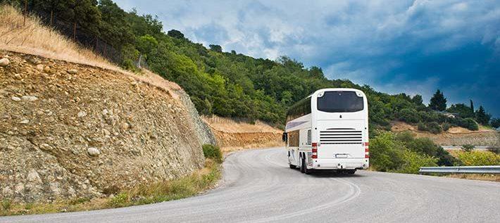 Transportul cu microbuze și autocare ȋnchiriate pentru excursii: pachete pentru orice buzunar!