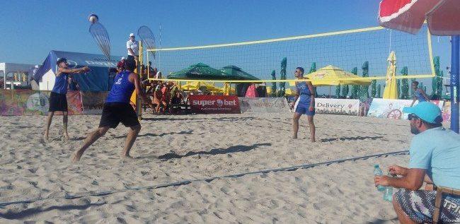 Campionatele Naţionale de volei pe plajă, de la Arad, ca şi anulate?!