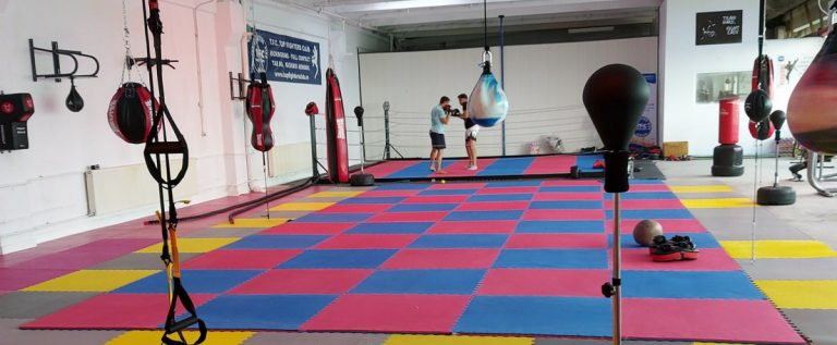 Top Fighters Club Arad a inaugurat noua sală de sport
