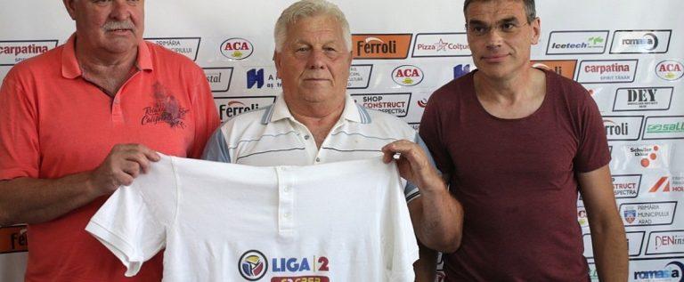 Cu o zi înainte de aniversare, Gabor Biro a primit din partea UTA-ei un tricou de campion