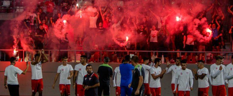 Suporterii UTA-ei au făcut atmosferă, înaintea debutului favoriţilor pe noul stadion
