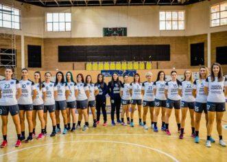 """Politicul ucide handbalul, la Chişineu Criş! Mesajul Roxanei Boldor: """"Contra voastră nu ştiu să joc""""!"""