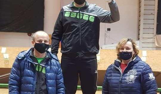 Luca Joldea, din record în record! Pistolarul arădean face furori în ţară şi trage la nivel de Europene