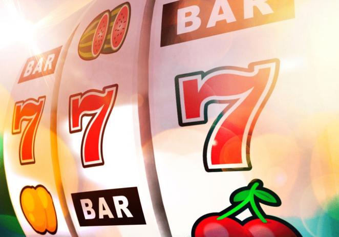 Vrei să joci la cazino dar nu vrei să riști prea mult? Descoperă ce sunt rotirile gratuite de care ai parte în jocurilor online!