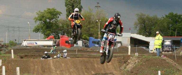Startul sezonului intern de supermoto şi viteză se dă pe circuitul din Arad