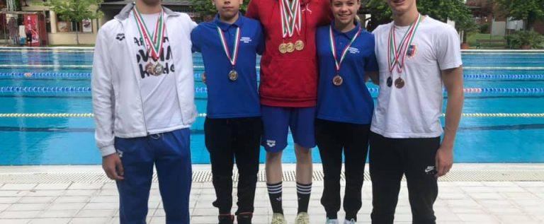 Înotătorii de la CSM Arad s-au remarcat la un concurs internaţional în Ungaria