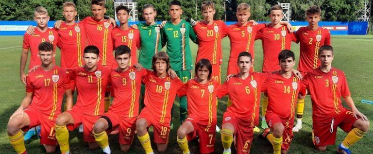 O serie de tineri fotbalişti arădeni luptă pentru a îmbrăca tricoul naţionalei U15