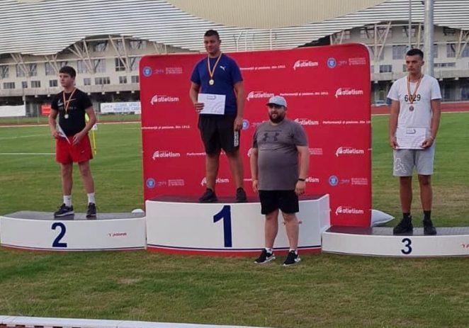 Doi atleţi arădeni medaliaţi la Naţionalele sub 16 ani. Mihai Motorca, campion la disc