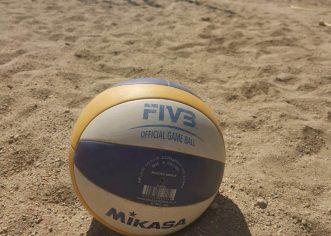 Cupa Sportsin la volei pe plajă atrage la Arad 25 de echipe din ţară