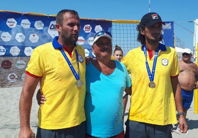 Fan Arad campioană la volei pe plajă, Westar este vicecampioană!
